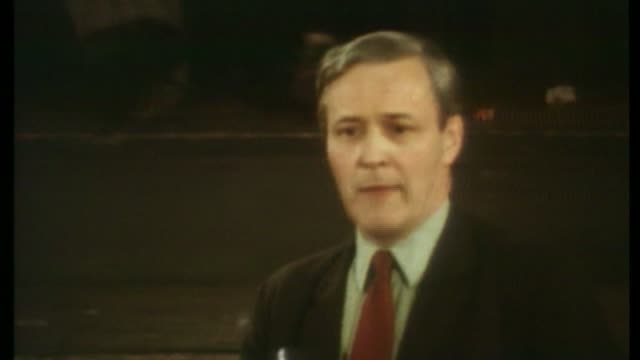 eu referendum bill lib 1975 int tony benn mp speaking at possible single currency debate banner held up by protesters 'no to common market' pull out... - 1975 stock videos & royalty-free footage