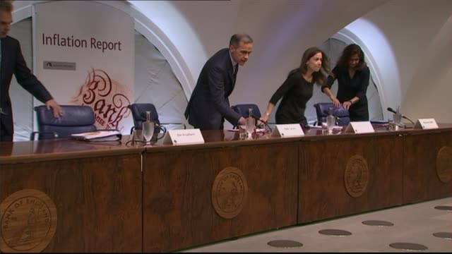 governor of the bank of england 'referendum report' warns of brexit dangers england london bank of england int various shots of mark carney arriving... - eventuell stock-videos und b-roll-filmmaterial