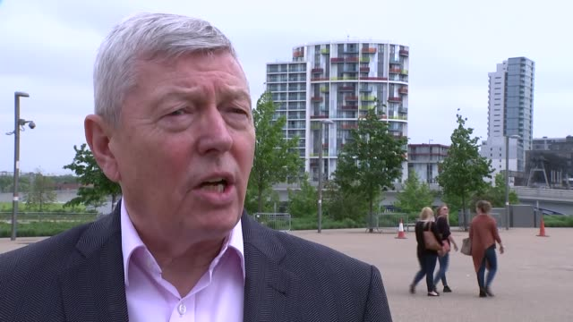 referendum campaign: issue of migration / 20 people rescued from inflatable boat in english channel; alan johnson mp handing out leaflets to people... - bureaucracy stock videos & royalty-free footage