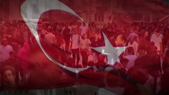 issue of turkey membership t28101334 / tx turkey ankara ext close shot turkish flag flying istanbul various slow motion shots people along on crowded... - 付着点の映像素材/bロール