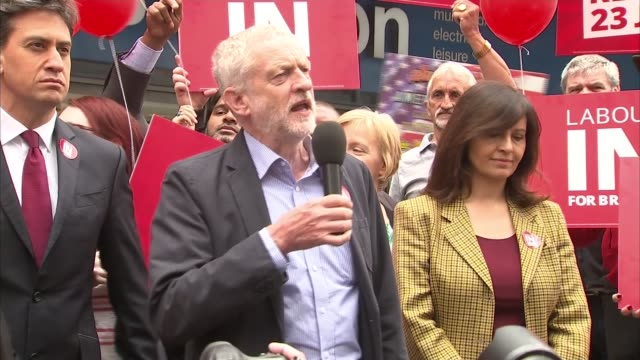 jeremy corbyn and ed miliband campaign in doncaster jeremy corbyn mp speech sot / unidentified labour party member speech sot - ed miliband stock-videos und b-roll-filmmaterial