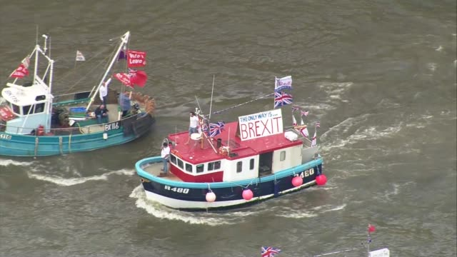 Nigel Farage leads Leave campaign flotilla along River Thames ENGLAND London EXT Nigel Farage MEP and Kate Hoey MP on boat leading flotilla of...