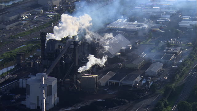 LOW AERIAL, Refinery, Chicago suburbs, Illinois, USA