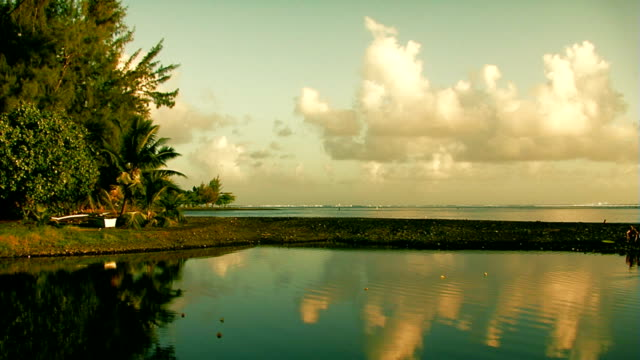 stockvideo's en b-roll-footage met reflection timelapse in tahiti - tahiti