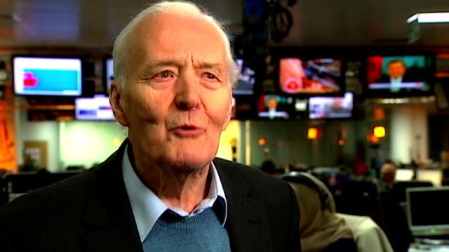 reflections on 2012; england: int tony benn interview sot - トニー ベン点の映像素材/bロール