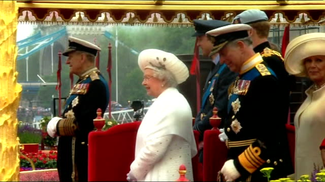 reflections on 2012; t03061214 / london: ext queen elizabeth ii, prince philip; duke of edinburgh, prince charles; prince of wales and others on... - diamond jubilee stock videos & royalty-free footage