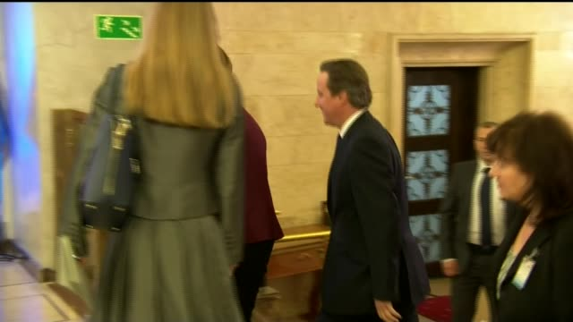 claims david cameron may drop controversial plans to curb benefits for eu migrants poland warsaw int david cameron mp along and greeted by beata... - rinnsteinkante stock-videos und b-roll-filmmaterial