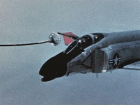 F4 refueling in flight