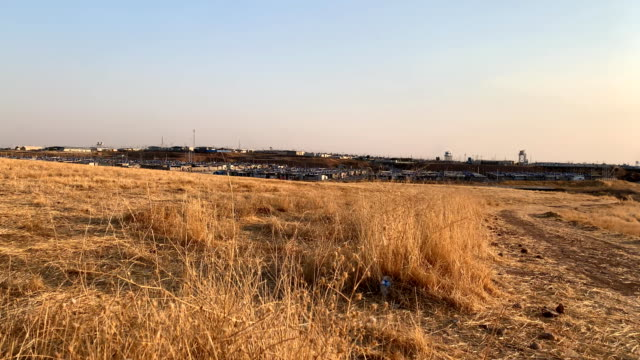refugee camp for yazidi the people who escaped from territory occupied by isil - 追放点の映像素材/bロール