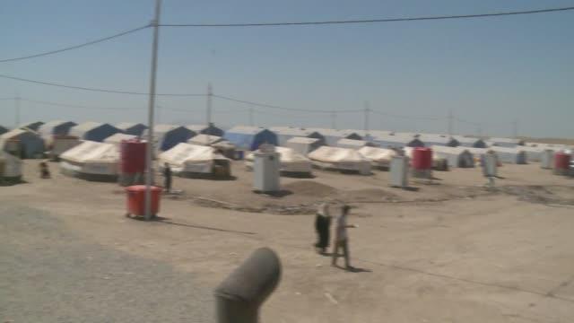 refugees in kurdistan fleeing isis - isil konflikt stock-videos und b-roll-filmmaterial