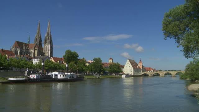 T/L Regensburg Old Town And Danube River