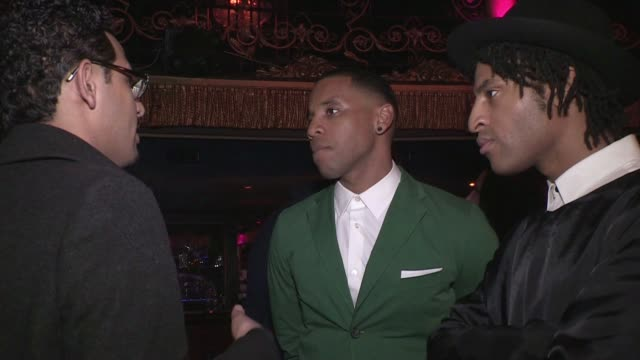 vidéos et rushes de reggie yates at london collections men aw 2013 - nutters of saville row x peter werth catwalk show at cafe de paris on january 9, 2013 in london,... - reggie yates