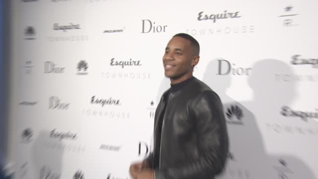 vidéos et rushes de reggie yates at the esquire townhouse with dior on october 12, 2016 in london, england. - reggie yates