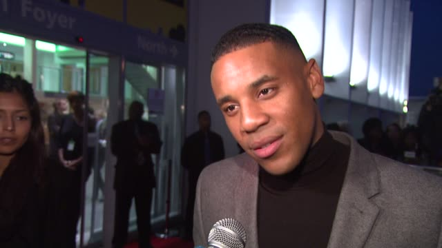 vidéos et rushes de reggie yates on estelle and award shows at the mobo awards arrivals at london . - reggie yates
