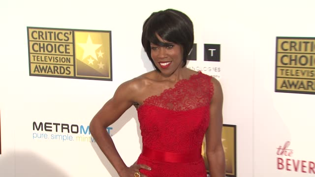 regina king at 2012 critics' choice television awards regina king at 2012 critics' choice television awa at the beverly hilton hotel on june 18 2012... - regina king stock videos and b-roll footage