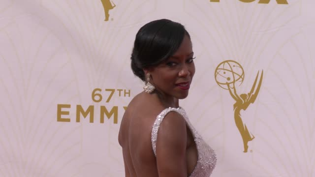 stockvideo's en b-roll-footage met regina king at the 67th annual primetime emmy awards at microsoft theater on september 20, 2015 in los angeles, california. - emmy awards