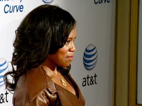 regina king at the blackberry curve from at&t u.s. launch party at beverly hills california. - curve stock videos & royalty-free footage