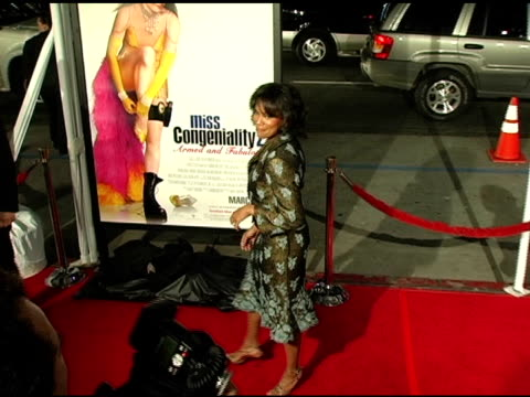 regina king at the 'miss congeniality 2 armed and fabulous' us premiere at grauman's chinese theatre in hollywood california on march 23 2005 - regina king stock videos and b-roll footage