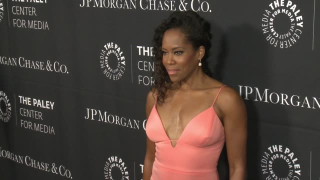 stockvideo's en b-roll-footage met regina king at the paley center for media's tribute to african-american achievements in television presented by jpmorgan chase & co. at the beverly... - 2015