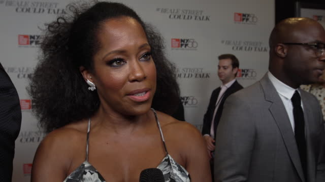 vídeos de stock, filmes e b-roll de interview regina king on how this film created history working with barry jenkins and the importance this film will have with the audience at the... - if beale street could talk
