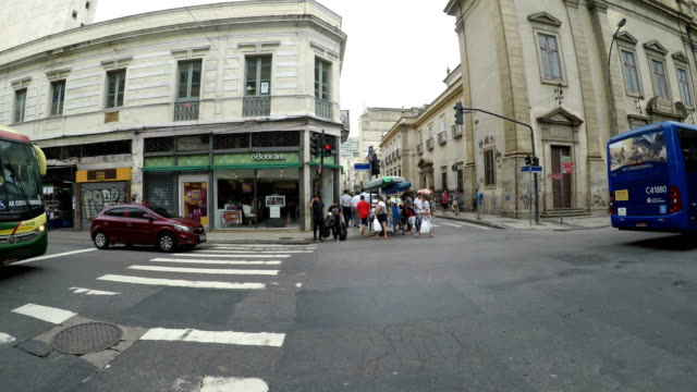 リオ ・ デ ・ ジャネイロでサアラ地域 - dolly shot点の映像素材/bロール