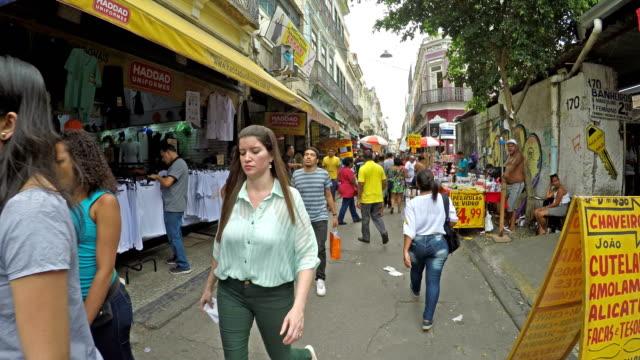 リオ ・ デ ・ ジャネイロでサアラ地域 - 大人数点の映像素材/bロール