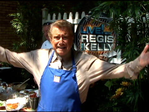 regis philbin has some choice words with the paparazzi on the set of 'live with regis kelly' in new york 06/09/11 - regis philbin stock videos and b-roll footage
