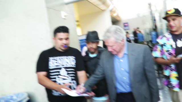 regis philbin signs autographs at los angeles international airport - regis philbin stock videos and b-roll footage