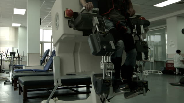 rehabilitation center - prosthetic equipment stock videos & royalty-free footage