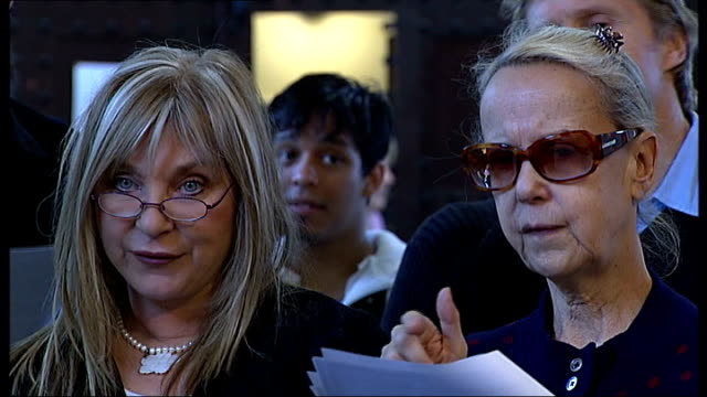vídeos de stock e filmes b-roll de rehearsals for tribute to voice coach ian adam group of celebrities rehearsing song sot / lorraine chase next paul nicholas sarah miles helen lederer... - helen lederer