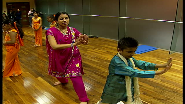 rehearsals in bollywood dance class for children with award winning 8 year old dancer more of dance class bajaria demonstrating a bollywood dance... - bollywood stock videos and b-roll footage