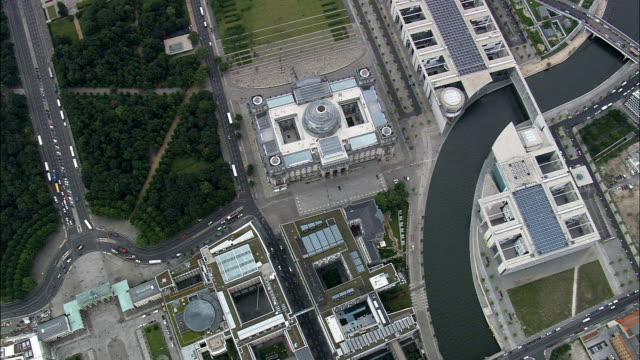 reichstag - aerial view - berlin, berlin, city, germany - the reichstag stock videos & royalty-free footage