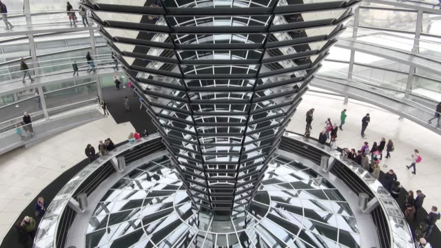 ms td reichstag building and glass dome / berlin, germany - cupola video stock e b–roll