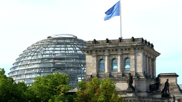reichstag, berlino, telecamera panoramica - cupola video stock e b–roll