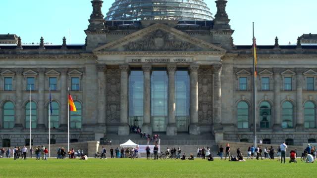 vídeos y material grabado en eventos de stock de reichstag en berlín, en tiempo real - centro de berlín