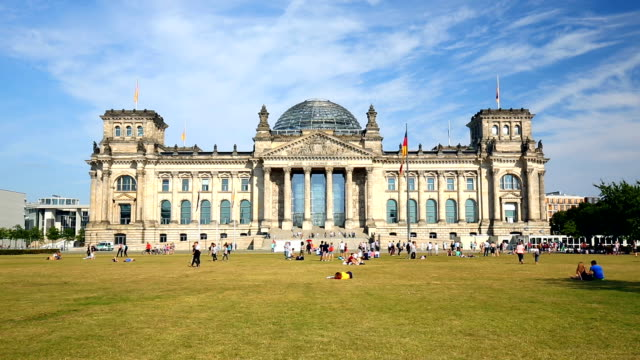 reichstag in berlin, time lapse - the reichstag stock videos & royalty-free footage