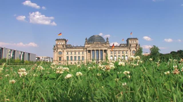 reichstag, berlino - cupola video stock e b–roll