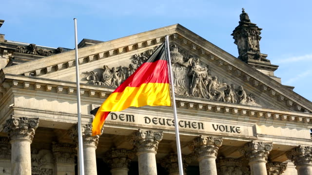 reichstag in berlin - monumente stock videos & royalty-free footage