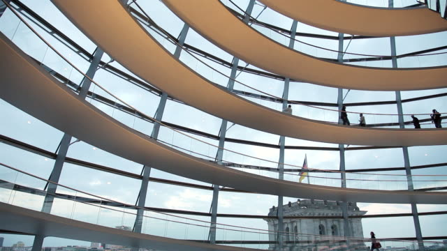 ws reichstag in germany / berlin, berlin, germany - the reichstag stock videos & royalty-free footage