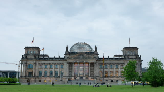 reichstag time lapse - the reichstag stock videos & royalty-free footage