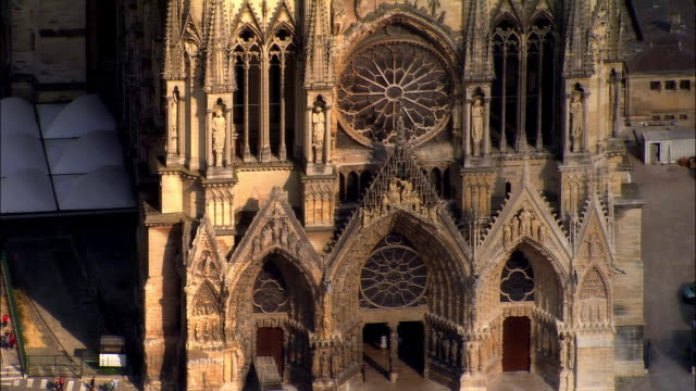 ha ms tu reims cathedral / reims, champagne region, france - cathedral stock videos & royalty-free footage