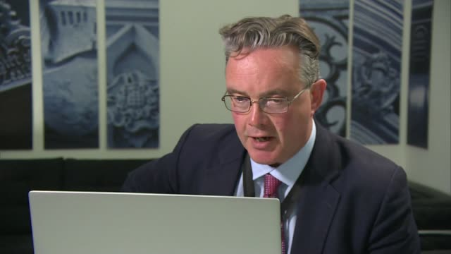 relations between china and uk hit new low over hong kong england london gir int reporter at laptop asking question sot - politics stock-videos und b-roll-filmmaterial