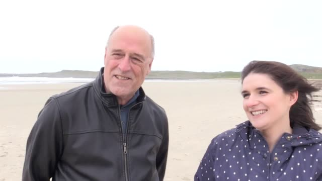 relatives of a us soldier who washed up on a scottish island after his ship was involved in an accident have met the greatgranddaughter of a man who... - guter zustand stock-videos und b-roll-filmmaterial