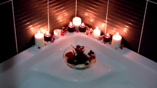 リラクゼーションバス - 浴室点の映像素材/bロール