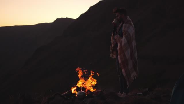 entspannenden - canyon stock-videos und b-roll-filmmaterial