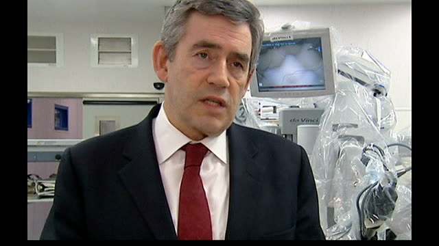 stockvideo's en b-roll-footage met release of british teacher charged with insulting islam after naming teddy bear mohammed england london royal marsden hospital int gordon brown mp... - shell merknaam