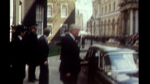released secret papers reveal tensions in late 1970s labour government; 1979 england: london: ext **music overlaid sot** james callaghan leaving... - 1970 1979 stock videos & royalty-free footage