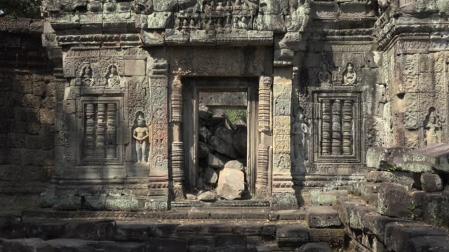 zo / relief carving at preah khan temple - relief carving stock videos & royalty-free footage