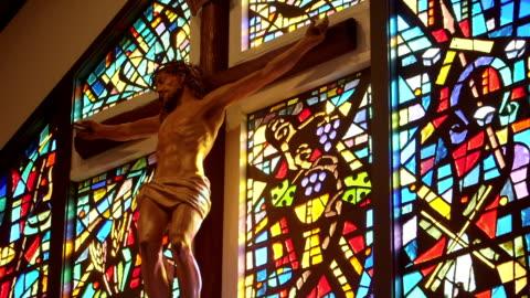 religious cross and jesus - kors religiös symbol bildbanksvideor och videomaterial från bakom kulisserna