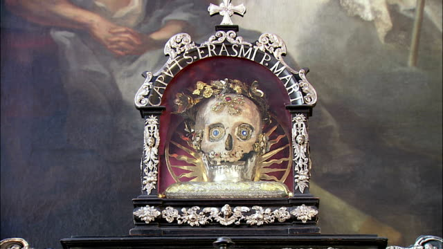 cu zi reliquary with gem-studded skull in st. peter's church, munich, bavaria, germany - gem stock videos and b-roll footage